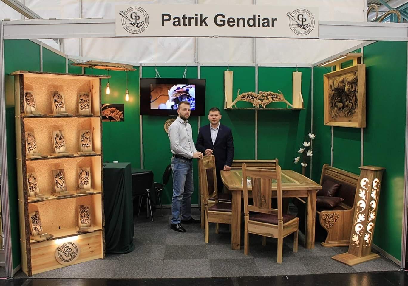 Výstava umeleckého rezbárstva v Rakúsku, Ausstellung von Kunstholzschnitzereien in Österreich, Exhibition of art wood carving in Austria