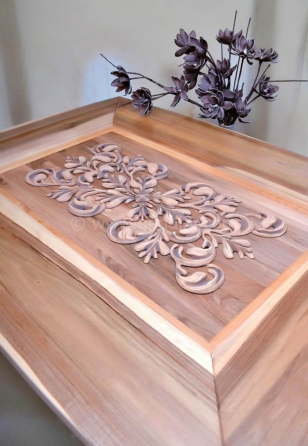 Umelecký stôl z masívneho dreva, Art table made of solid wood