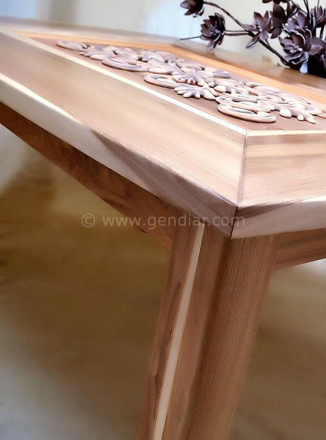 Detail umelecká drevorezba, Detail of artistic woodcarving, Kunst Holzschnitzer